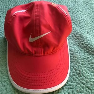 Women's Nike Coral featherlight Dri-fit hat